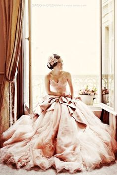 Pale Pink Strapless Deep Sweetheart Neckline and Tulle Ball Gown ♥
