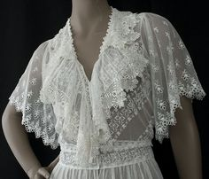 Edwardian clothing at Vintage Textile: #6959 lace tea dress