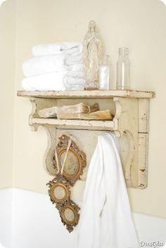 cute little bathroom shelf...