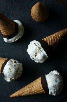 Mint Chocolate Chip No-Churn Ice Cream   HonestlyYUM