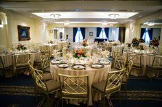 Love this elegant and classic wedding reception setting at the Phoenix Park Ballroom. {Phoenix Park Hotel}