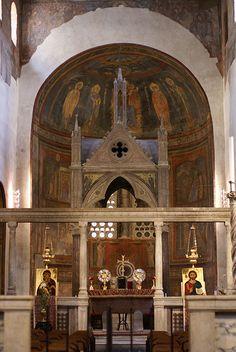 Rom, Piazza Bocca della Verità, Santa Maria in Cosmedin, Ziborium und Apsis des Hauptschiffs (ciborium and apse of the center nave)