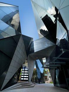 Starhill Gallery. Designed by Stephen Pimbley  Spark-Ext04_Lin HoStarhill Gallery