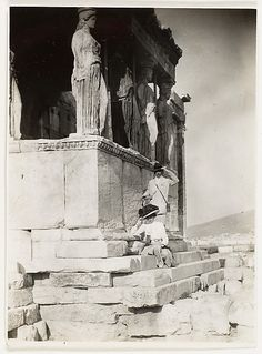 Photographer Adolf de Meyer & his wife posing at the Acropolis ~ 1890's #Athens #Greece #solebike #ebike #sightseeing