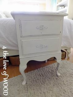 shabby chic white nightstands 4 the love of wood: THE MOST GEORGEOUS DESK