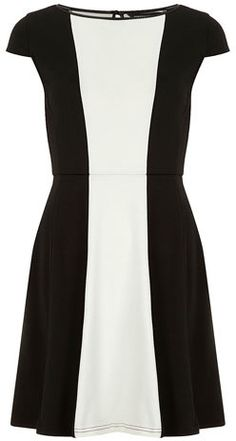 Marfim e preto vestido color block $ 24,50 thestylecure.com