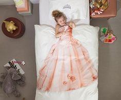 adorbs!!  Princess Bedding Set