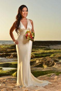 Beach wedding in oahu hawaii on pinterest tropical for Nicole miller beach wedding dress