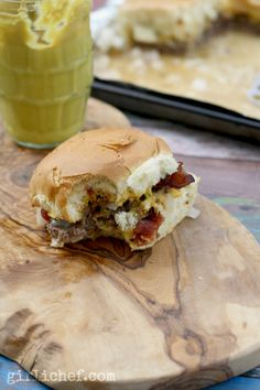 Secret Ingredient Bacon Cheeseburger Sliders #weekdaysupper