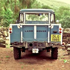 vintage land rover.