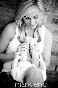 mommy and baby shoot. this picture is so beautiful #markeric