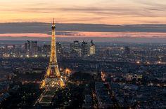 The #EiffelTower weighs around 10000 tonnes! #TonnesofFun