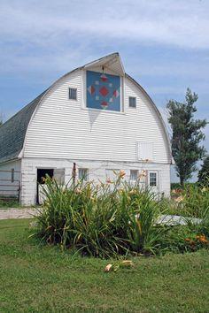 barn quilt in Holland, Iowa