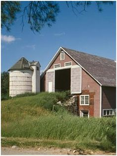 116 Free Farm and Ranch Barn Plans - These big work building plans, primarily from US and Canadian government sources, are available as free, downloadable plans. (Photo: Historical American Buildings Survey)