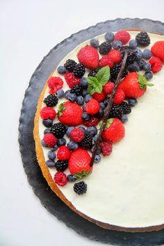 That's Amore!: Bavarese alla vaniglia, inserto ai frutti di bosco su sablé breton