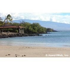 Spencer Beach Park Hawaii - Popular among families, this North Kohala beach, located a half-hour north of Historic Kailua Village (Kailua-Kona), is well protected by an outside reef, which allows for calm swimming and snorkeling waters on most days. The beach park has picnic pavilions, tables and barbeque grills and is within walking distance of Puukohola Heiau National Historic Site.