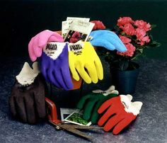Mud Gloves: Quality work gloves of 100% cotton with a grippy latex coated palm, sized for women to keep out the mud, machine washable and reasonably priced.