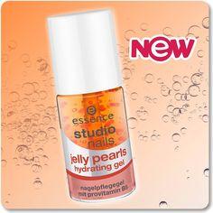 """unser neues """"studio nails jelly pearls hydrating gel"""" duftet lecker fruchtig und repariert strapazierte nägel. mit provitamin B5 und mandelöl lässt es sich ganz leicht in nagel und nagelhaut einmassieren. die perfekte pflegeroutine für den sonntagabend :-)"""