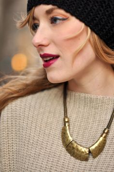 winter lip, cat eyes, necklac, lip colors, beauti, lipstick, metal jewelry, berries, berri winter