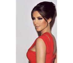 Kim Kardashian Perfect Makeup EVER @Luuux #Kim_Kardashian #Perfect #Makeup #Celebrities #Red