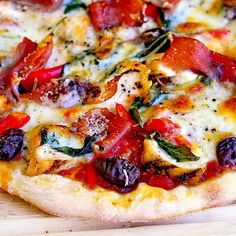 Grilled Chicken and Prosciutto Margherita Pizza ~leftover chicken ideas~