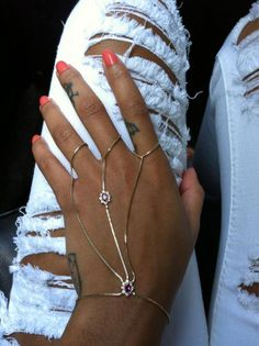 looking for this bracelet-ring set!!!