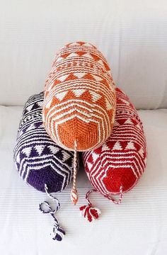 Pillow Crochet Marrakech    Orange triangles por lacasadecoto, €26.00