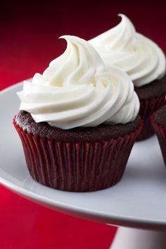 vegan & gluten-free chocolate raspberry cupcakes