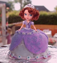 Sofia the first Birthday cake. Win needs this for her next bday