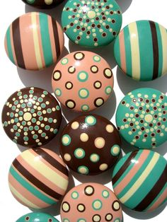 hand painted drawer knobs...so cute!