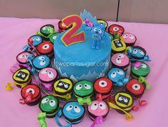 yo gabba gabba simple cupcakes and cake