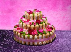 gâteau des mariés au nom de la rose