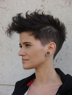 18 - Go-anywhere Hair Inspiration ||| Short hair - I'm a huge fan, and have been one for over a decade now. Hair stays up out of the way of moving parts and keeps you cool in a warm press room. And it looks rocking! ||| #modcloth #makeitwork