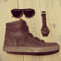 #SXSW Essentials: Comfy sneakers, casual watch, and cool shades. #ourAustin #kennethcole