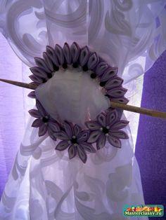curtain holder from CD tutorial tutorials, curtains, tie, hands, diy tutorial, ribbons, ribbon crafts, decorations, ribbon flower