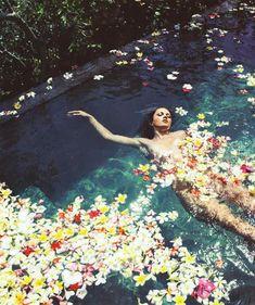 skinny dipping, marie claire, dream, pool, bath, fashion editorials, flower power, flower children, beauty art