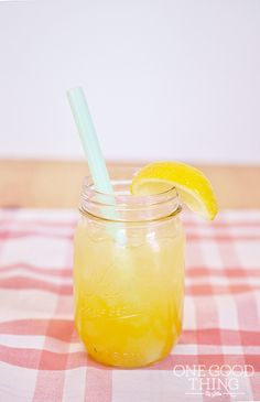 Fresh Peach Lemonade – A Great Summertime Refresher!  Plus, A Blendtec Giveaway!