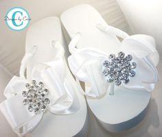 Love these platform wedding flip flops!