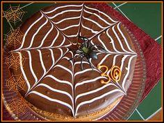 creepy crawlin' cake