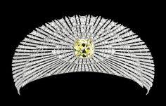 Sun Tiara (1907; made by Cartier; yellow diamond, white diamonds, platinum, yellow gold). Alternate sapphire setting.