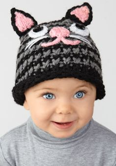Loom Knit - Toddler size Kitten Hat uses stockinette stitch and i-cords for details