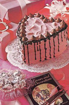 Valentine Cake with Kisses