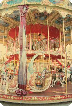 Love Carousels!