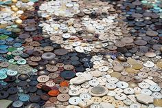 ~ AMAZING ~ 2,000 Buttons, 1 Toddler and The Mona Lisa -