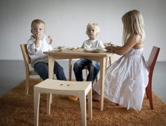 Beck to Nature SIXKID Table and Grasshopper Chair Set is perfect for mealtime, crafts or play