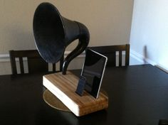 Acoustic iPad iPhone Speaker Dock Utilizing a Vintage Antique Gramophone Phonograph Horn -CUSTOM