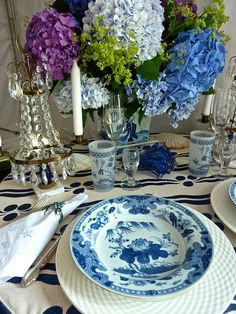 Blue and white by Natasha Willauer Interiors at A Perfect Setting at the Nantucket Antiques Show