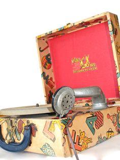 Vintage Peter Pan Record Player