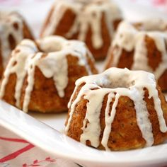 Apple Cupcakes: Preheat oven. Sift 2 1/4c flour, 1tsp baking soda, salt, 3/4tsp cinnamon, 1/4tsp nutmeg. Whisk 2 eggs w/1,5c sugar, until light yellow. Add 2tsp vanilla, 1c apple sauce, 1/2c melted butter, 1/2c sour cream, lemon zest and mix well. Add dry ingredients, and combine. Gently add 2 peeled chopped apples. Bake until done. Whisk 2tbs butter, 1 1/4c flor sugar, 2tbs apple cider for the glaze. X