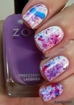 Spackle or splatter paint nails.. Which ever you want to call it, it looks so so sooo cool here! ❤